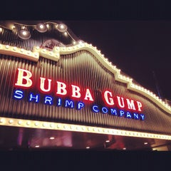 Photo taken at Bubba Gump Shrimp Co. by Greg F. on 4/6/2012