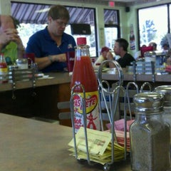 Photo taken at Victorias Country Cookin by Wesley T. on 4/2/2012