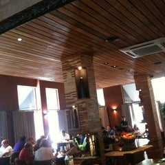 Photo taken at Geppos Restaurante by Bosco C. on 2/26/2012