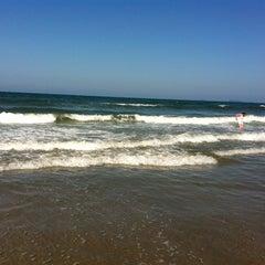 Photo taken at Praia de Itapoá by Shuli L. on 3/11/2012