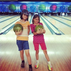 Photo taken at Premiere Bowling & Entertainment by Jaime N. on 5/30/2012