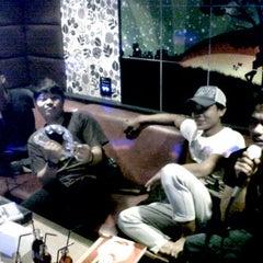 Photo taken at Inul Vizta by Dhani R. on 2/21/2012
