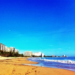 Photo taken at Isla Verde Beach - Balneario Isla Verde (La Playa) by Raul C. on 9/3/2012