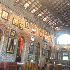 Photo taken at Hard Rock Cafe by Poulomi B. on 6/4/2012