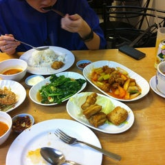 Photo taken at Susan Chan Food by Eelen L. on 4/2/2012