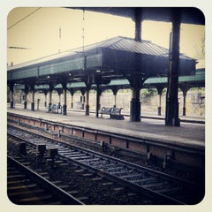 Photo taken at Edinburgh Waverley Railway Station (EDB) by Lee O. on 5/7/2012