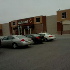 Photo taken at Walmart Supercenter by Charlie M. on 3/25/2012
