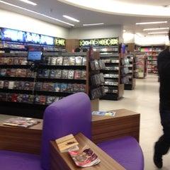 Photo taken at Saraiva MegaStore by Junior P. on 4/27/2012