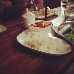 Photo taken at Parabola (พาราโบลา) by Jakkapan S. on 8/19/2012