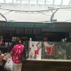 Photo taken at Starbucks by Veronika M. on 7/19/2012