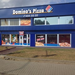 Photo taken at Domino's Pizza by Gök_suu🎈🎉📱 on 8/2/2012