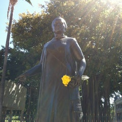 Photo taken at Queen Liliʻuokalani Statue by susieschmoozee on 8/18/2012