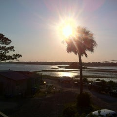 Photo taken at Bowen's Island Restaurant by Curtis S. on 5/5/2012