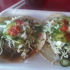 Photo taken at Taquería El Chino by Karla N. on 5/18/2012