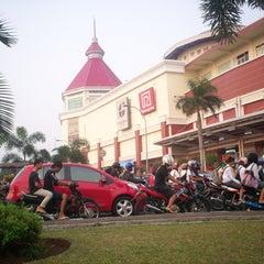 Photo taken at Mal Cijantung by Dwiki S. on 4/22/2012