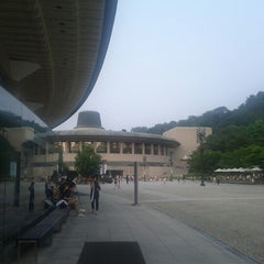 Photo taken at 예술의전당 (Seoul Arts Center) by Kyung Bok S. on 6/24/2012