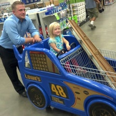 Photo taken at Lowe's Home Improvement by Brad K. on 8/26/2012