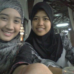 Photo taken at Restoran Nelayan by Nafhatun K. on 8/15/2012