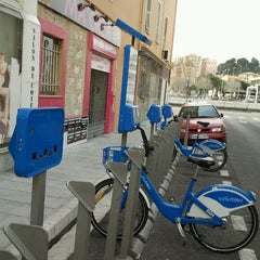 Photo taken at Vélo Bleu (Station No. 31) by Iarla B. on 3/25/2012