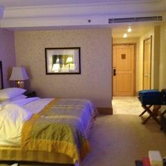 Photo taken at Hotel Mulia Senayan, Jakarta by Wing P. on 5/10/2012