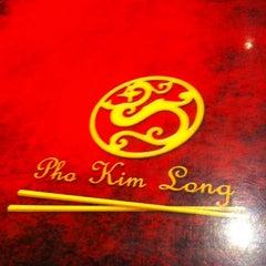Photo taken at Pho Kim Long II by Freddy S. on 4/28/2012