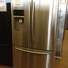 Photo taken at Fred's Appliance Ding and Dent Center by Kathleen F. on 4/14/2012