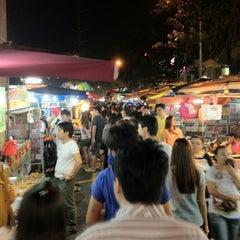 Photo taken at Pasar Malam Taman Connaught 康乐 by Cheanu.com on 7/25/2012