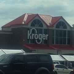 Photo taken at Kroger by Agustin L. on 7/26/2012