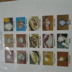 Photo taken at Ragusa Es Italia Restaurant & Ice Cream by Laura M. on 7/13/2012