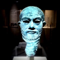 Photo taken at Ancient Near Eastern Art @ The Met by Pedro F. on 8/10/2012