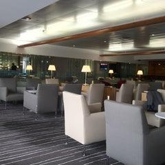 Photo taken at Qantas Club Lounge by Gilberto on 7/15/2012