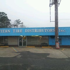 Photo taken at Eastern Tire by Kevin D. on 2/27/2012
