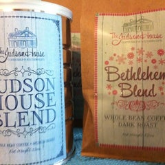 Photo taken at The Judson House - Coffee Shop & Southern Gifts by Lindsey B. on 8/7/2012