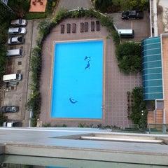 Photo taken at Diamond Plaza Hotel (โรงแรมไดมอนด์พลาซ่า) by KIB _. on 6/14/2012