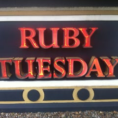 Photo taken at Ruby Tuesday by Jay T. on 6/1/2012