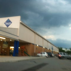 Photo taken at Sam's Club by Ricardo C. on 5/17/2012