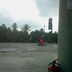 Photo taken at Caltex Sg Ular by Epik Q. on 2/13/2012