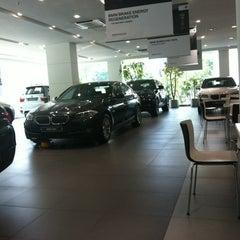 Photo taken at BMW 코오롱모터스 삼성전시장 by Lee Myung-ji on 5/21/2012