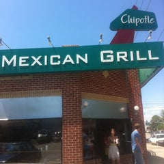 Photo taken at Chipotle Mexican Grill by Joe S. on 5/29/2012