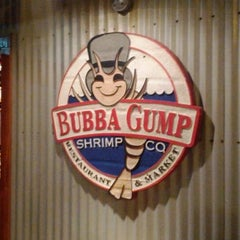 Photo taken at Bubba Gump Shrimp Co. by Boris S. on 2/5/2012