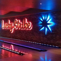 Photo taken at Lucky Strike Phoenix by Marquetta on 6/18/2012