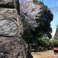 Photo taken at 善光寺坂 by Takahiro M. on 4/7/2012