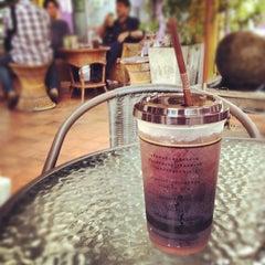 Photo taken at มิ่งมิตร (Mingmitr Coffee) by ShikeRu S. on 8/8/2012