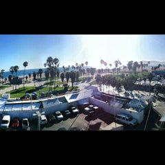 Photo taken at Dogtown Suite @ Hotel Erwin by Andres C. on 6/27/2012