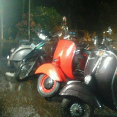 Photo taken at keripik bolodewe terminal mempawah by arif b. on 9/7/2012