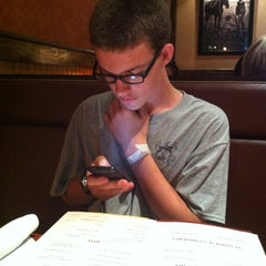 Photo taken at LongHorn Steakhouse by Mitchel G. on 6/7/2012