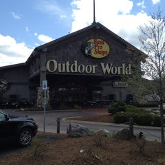 Photo taken at Bass Pro Shops by Eric C. on 4/24/2012