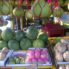 Photo taken at Limau Bali Tambun Xian Fatt by shamsol h. on 7/26/2012