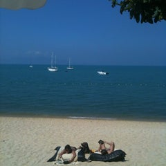 Photo taken at Peace Resort Samui by zom B. on 3/24/2012