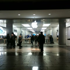 Photo taken at Apple Store, La Maquinista by Marty S. on 3/6/2012